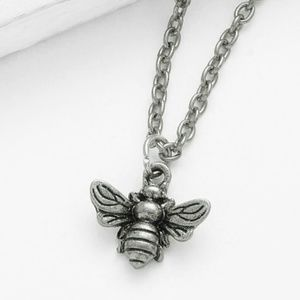 Jewelry - NEW - Bee Pendant Necklace